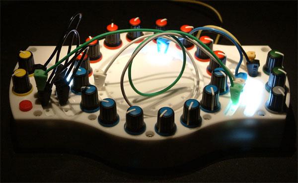 Chimera Synthesis SM16 szekvenszer