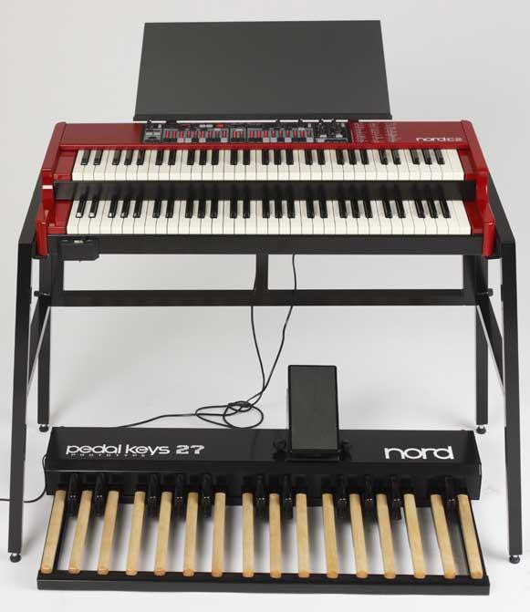 Clavia Nord C2 kombó orgona + pedalboard